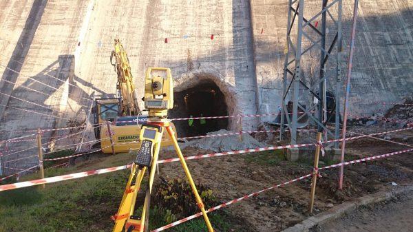 Asistencia técnica en la construcción de galería de fondo